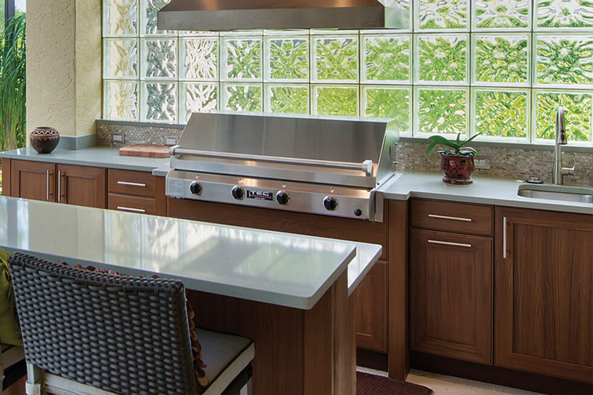 Best weatherproof outdoor summer kitchen cabinets in for Outdoor summer kitchen ideas