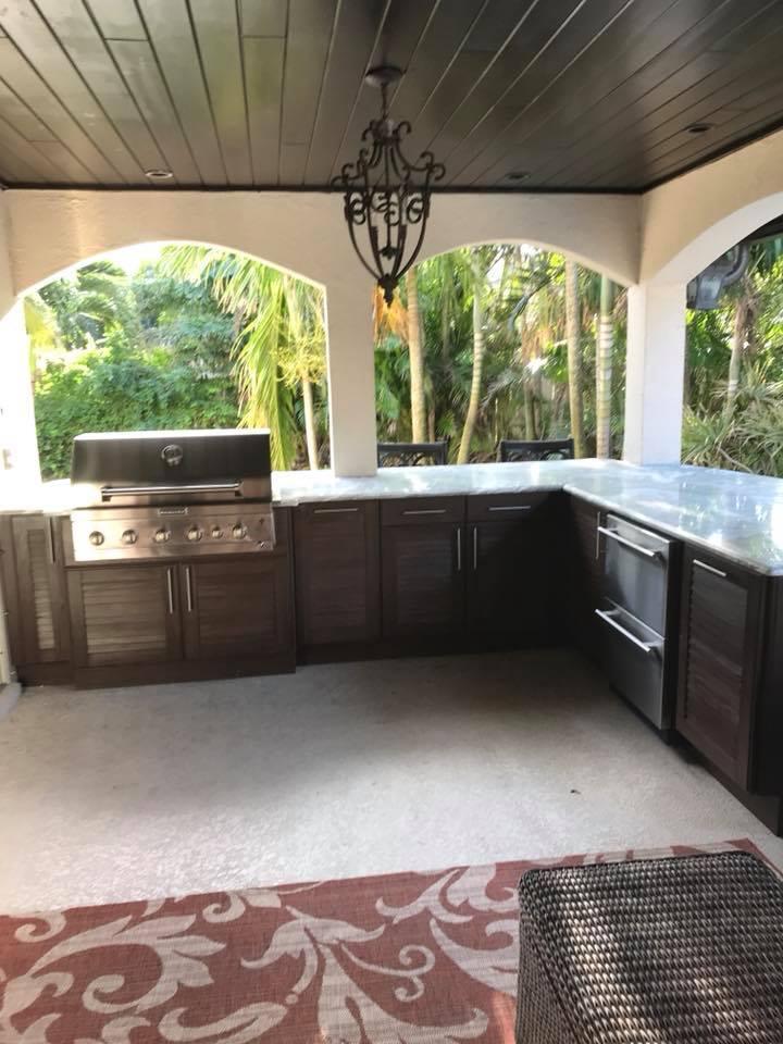 New outdoor kitchen cabinets installation in melbourne fl for Outdoor kitchen installers