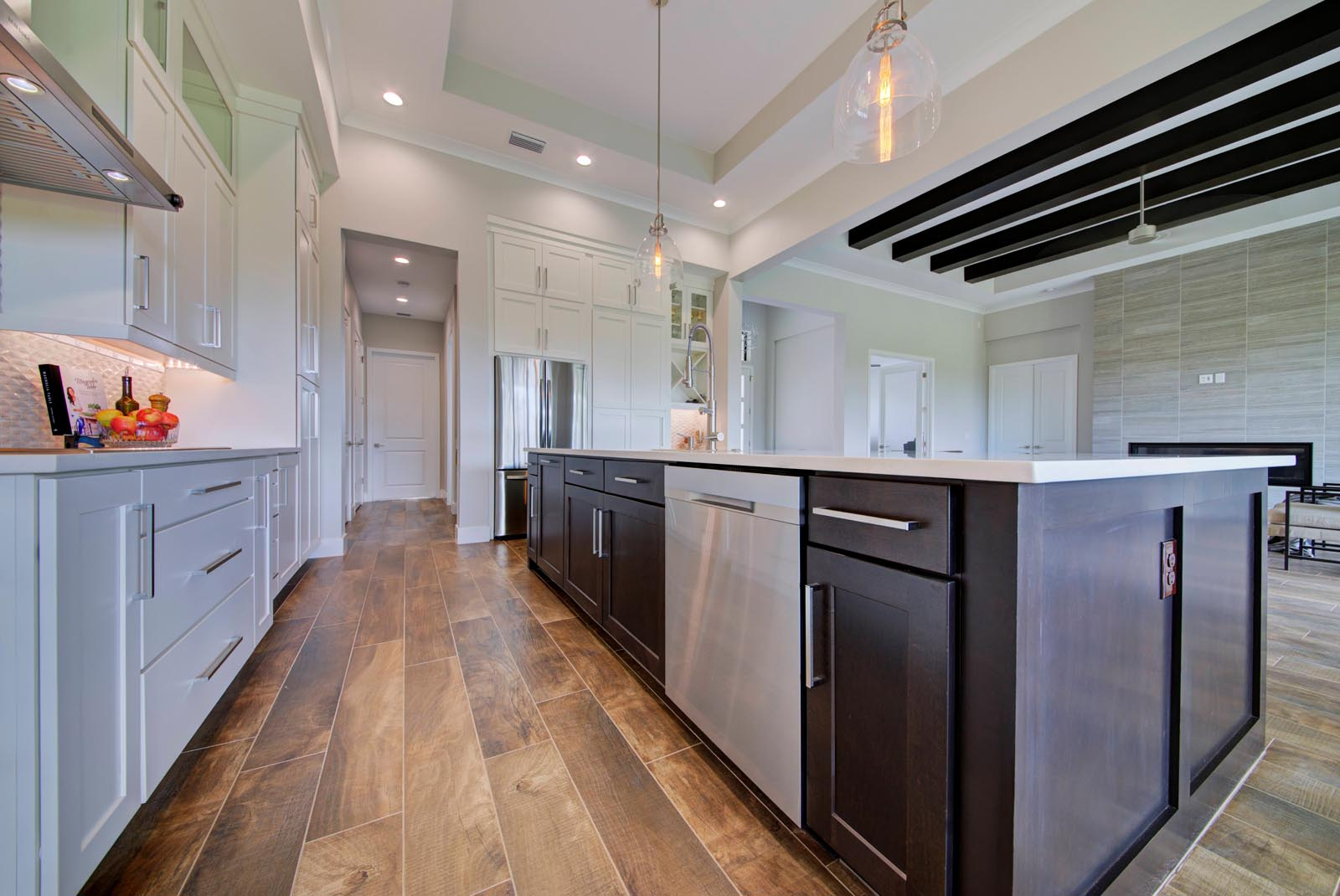 Custom Kitchen cabinets and countertops installation and ...